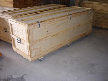 Cajas madera tablero ruedas bisagras cierres - Tipos de bisagras para puertas ...