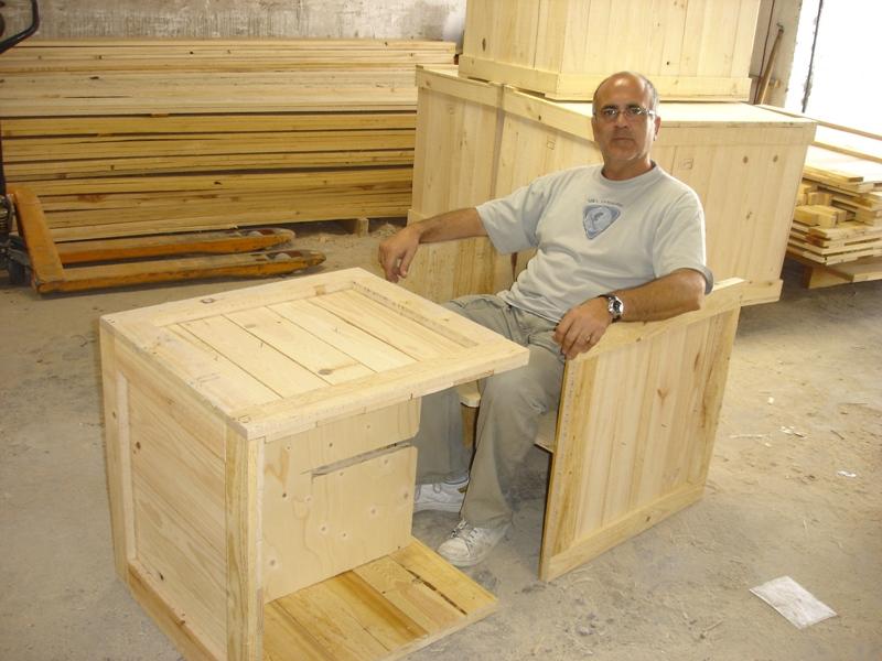 Embalajes de madera con bisagras cierres y ruedas - Bisagras para madera ...