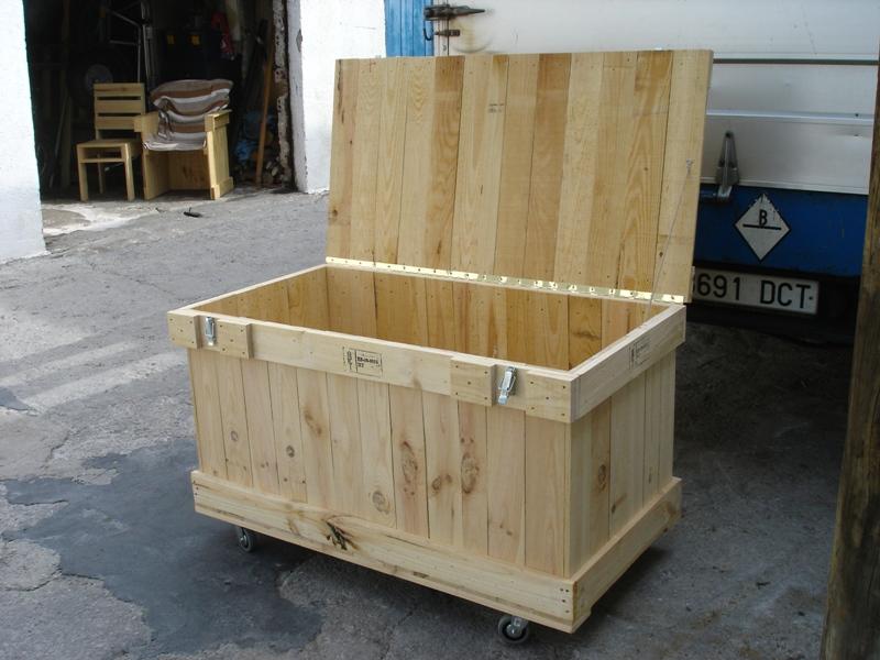 Embalajes de madera con bisagras cierres y ruedas - Cierres de madera ...