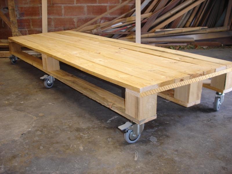 Bases de madera para grandes maquinas - Mesas para ordenador con ruedas ...